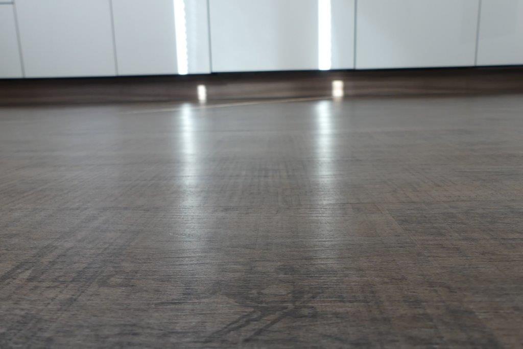 vinylboden kche free bodenbelag kche vinylboden beige kcheninsel barsthle leder marmortisch. Black Bedroom Furniture Sets. Home Design Ideas